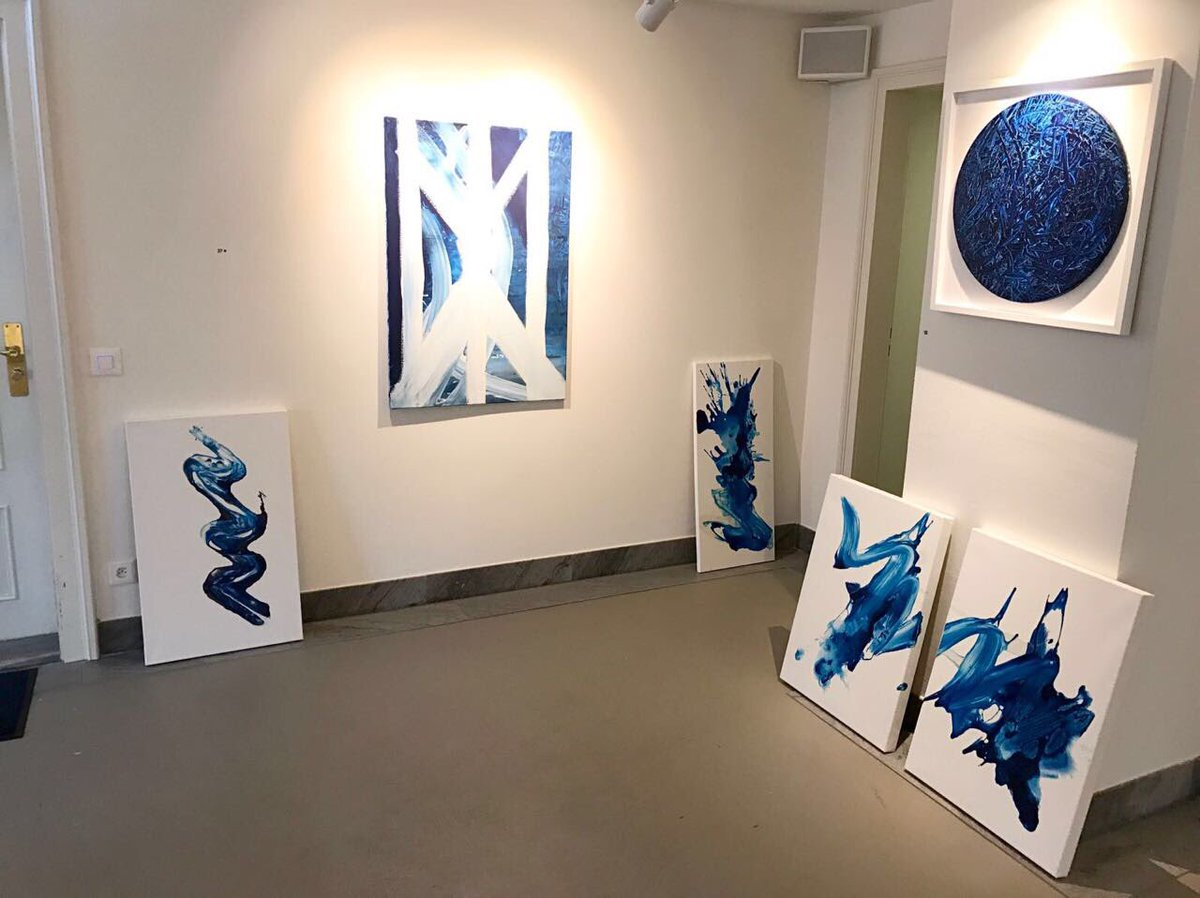A collection of Mccreedyblue splashes on the gallery floor. https://t.co/KTrAvAdwnd