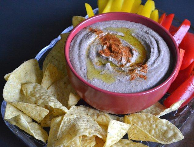 Black Bean Hummus #recipe @ https://t.co/tYDWLUGuJC  #delicious #healt...