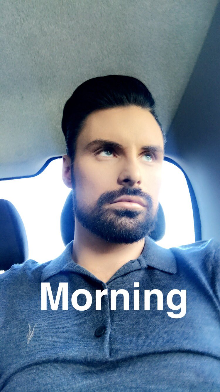 I'm back..... @thismorning https://t.co/A6Kj6rGwem