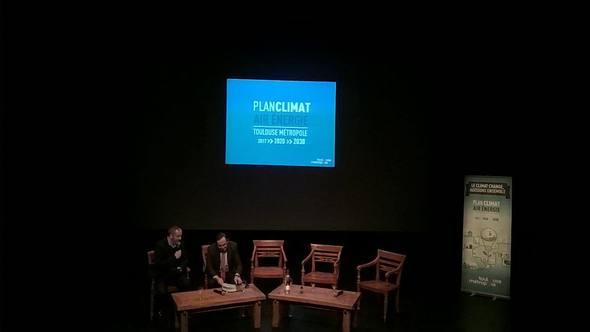 L&#39;équipe de #syscobat est présente au #PlanClimat @TlseMetropole @MAujoulat<br>http://pic.twitter.com/bWT9SRFkGi