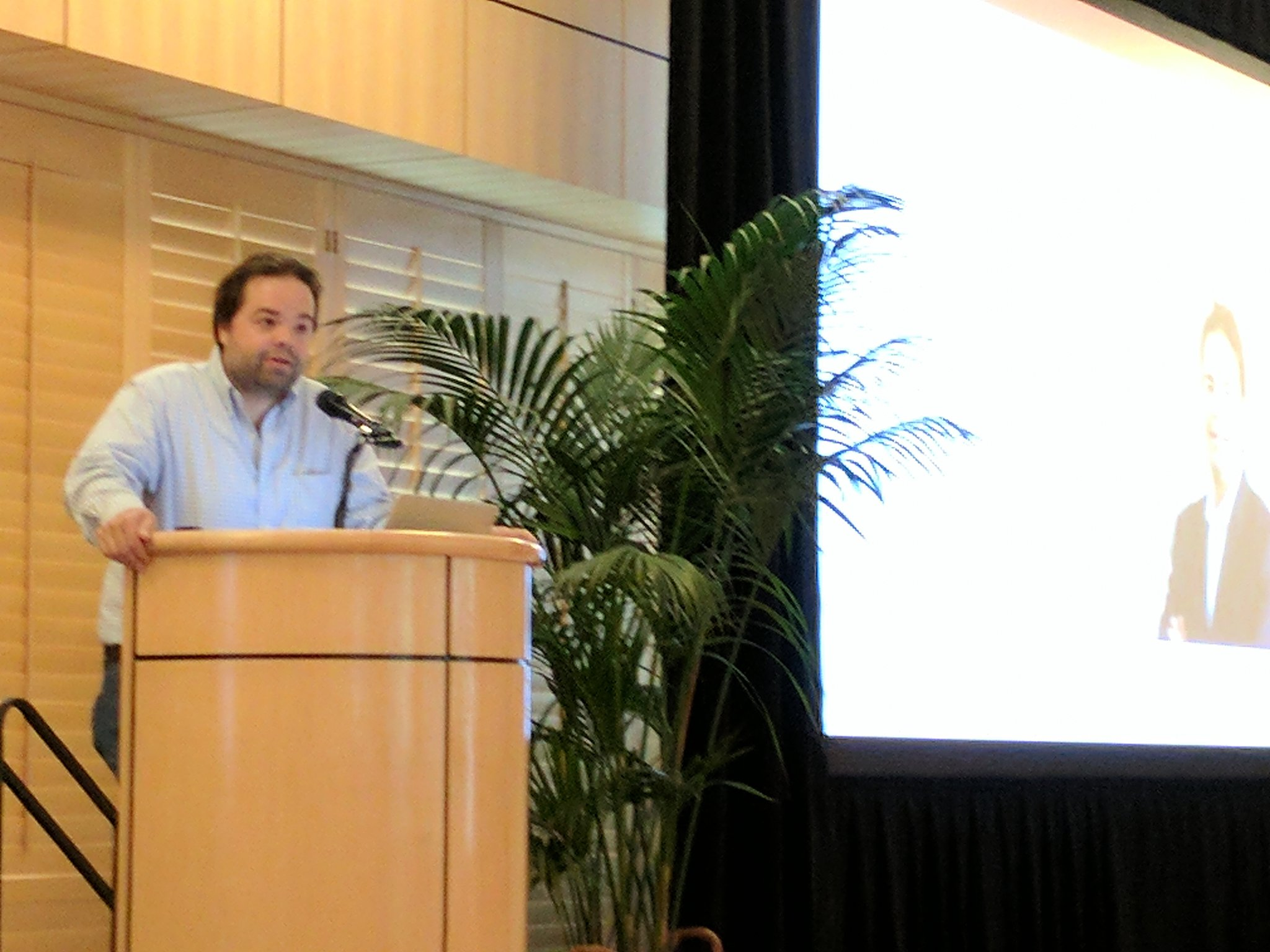 Prof @cdbustamante providing the opening statement @StanfordCEHG #CEHG17 https://t.co/dBbZfcnFli