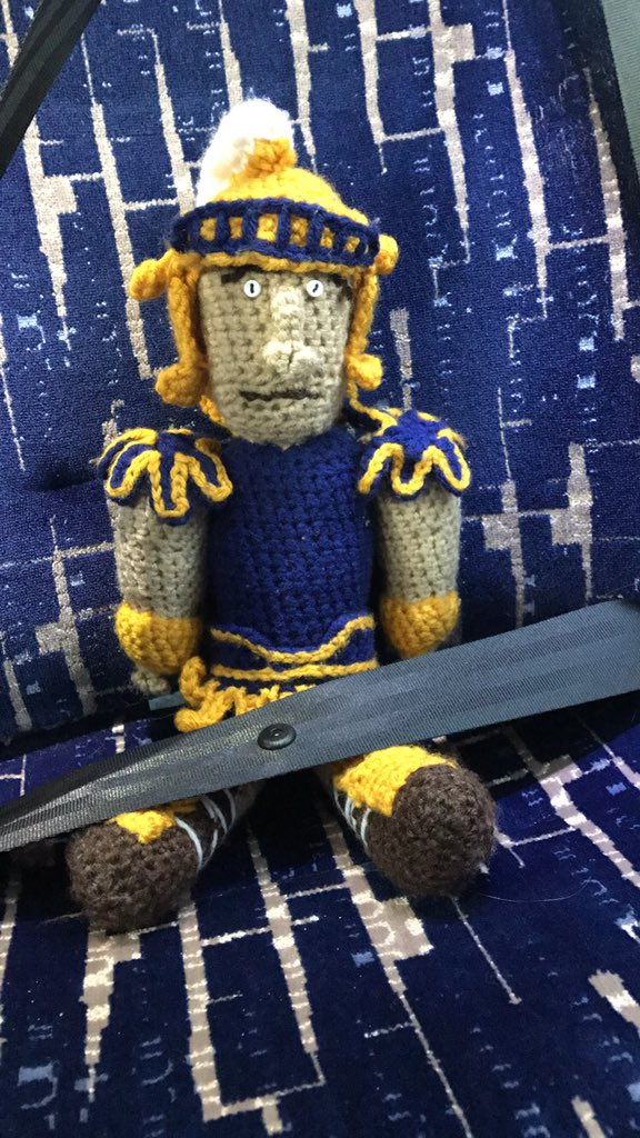 Spiro is buckled up and ready to head to Asheville! Let's get this championship! 🏀🔹🔸 #letsgoG!!!! https://t.co/AGFU6p81Qm