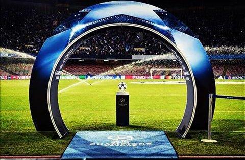DIRETTA Calcio: Napoli-Real Madrid Streaming, Arsenal-Bayern Rojadirecta, dove vedere le partite Oggi in TV. Domani Barcellona-PSG