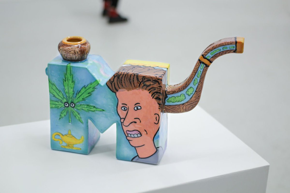 Ceramics professor John de Fazio discusses kitsch and the bong with @JuxtapozMag. https://t.co/o4EAOiST7h https://t.co/Juh8ccqfIR