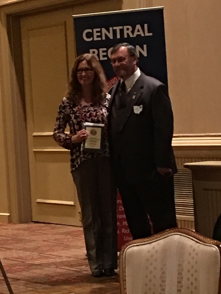 "@DublinSchools Gifted Coordinator accepts an @OSBA award for ""Creating a Culture of Enrichment"" #thedublindifference https://t.co/LB05XJs9K9"