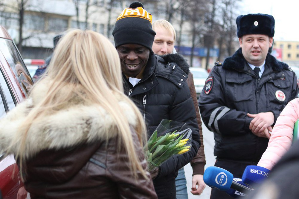 Простые, видео поздравление женщинам полицейским
