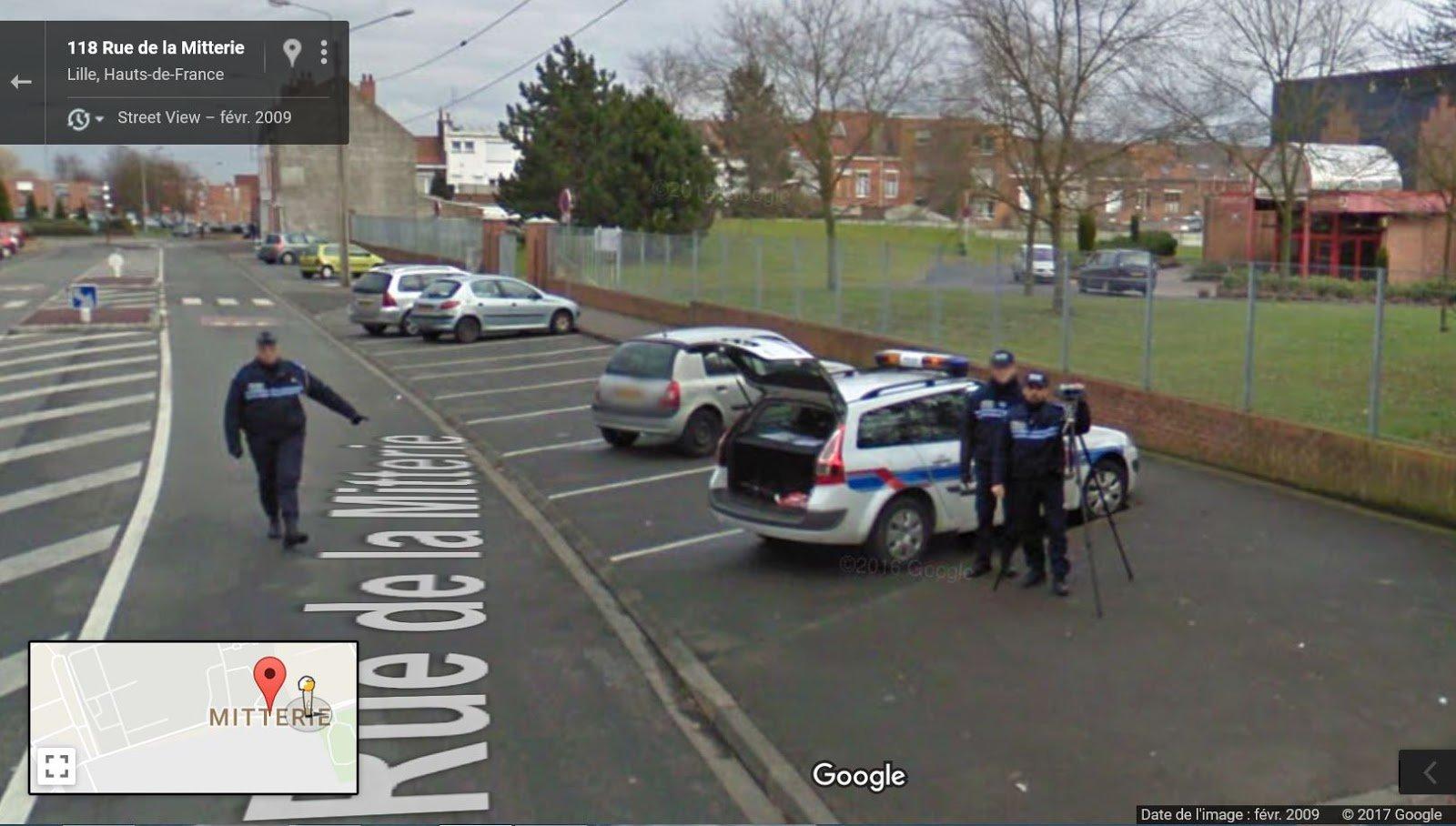 goog 39 lol street view on twitter oups un contr le la voiture de google street view arr t e. Black Bedroom Furniture Sets. Home Design Ideas