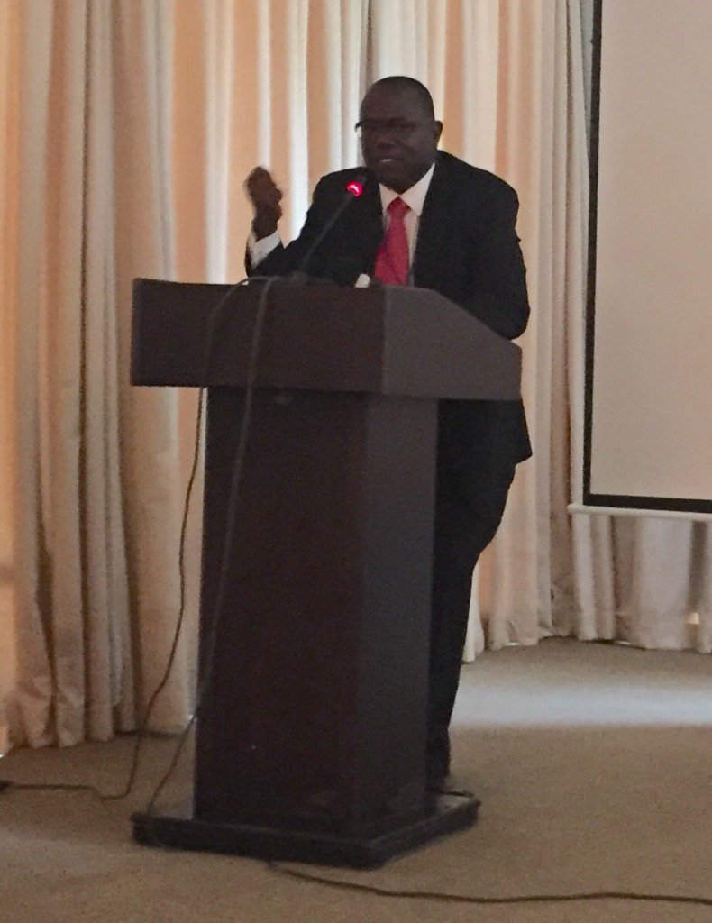 #MLEWK2017 sabasaba CEO TZ postal bank talks of innovative financial products-we need to be relevant!@UNCDFMicroLead https://t.co/yyJwxTPBzA