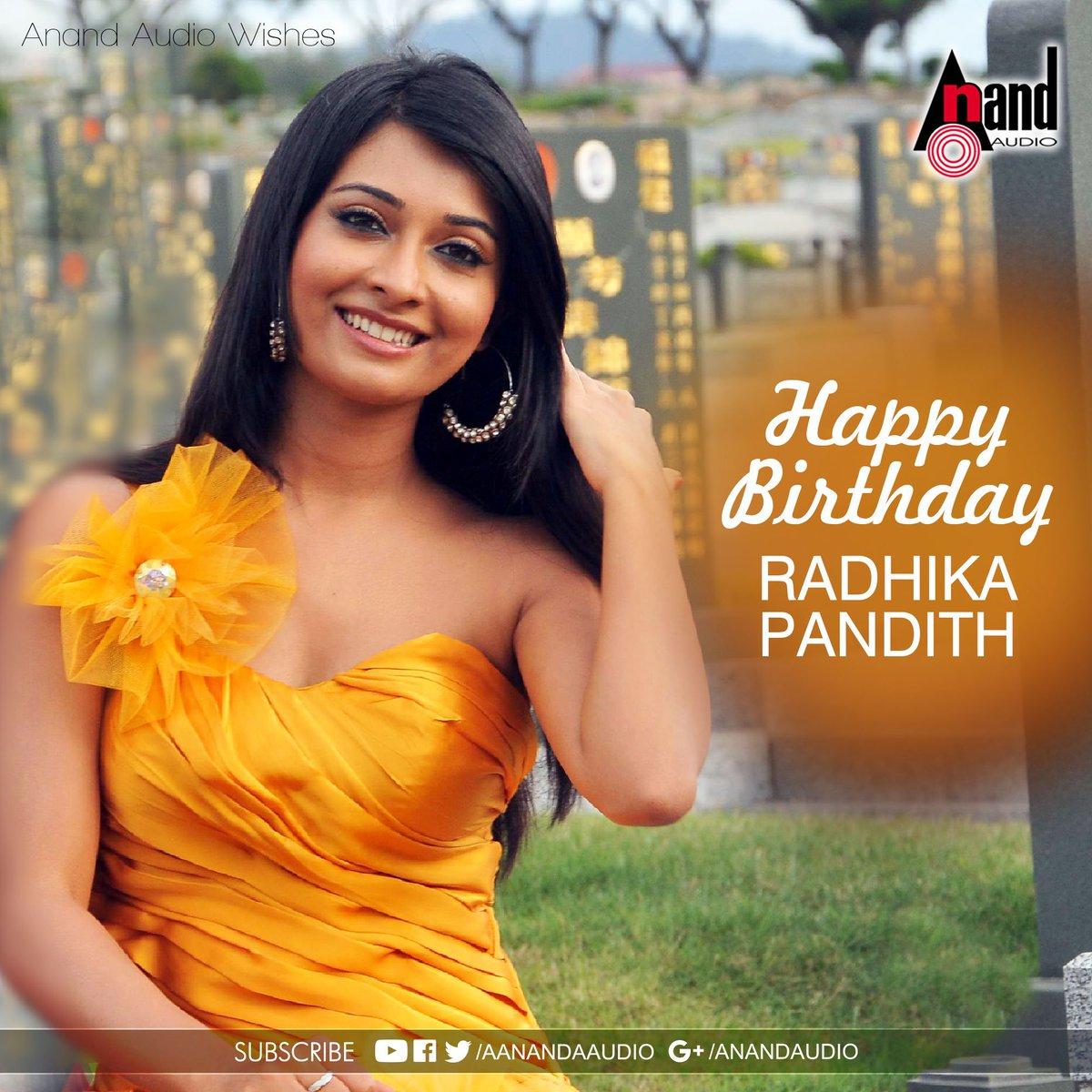 Rocking Star Yash & Radhika Pandit Walk Through   Page 168