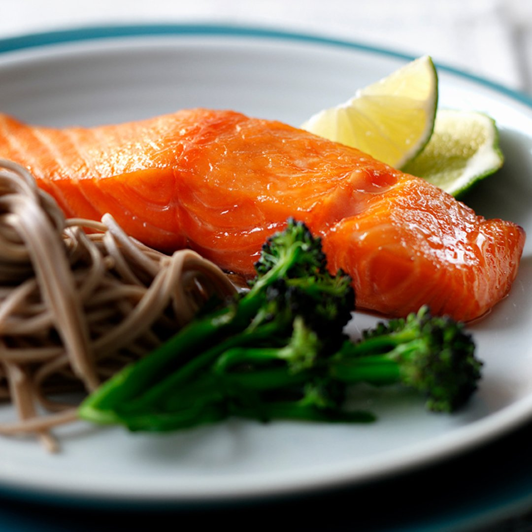 Supper couldn't get more simple than this: https://t.co/iMVLAtstp0  #salmon #dinner #healthydinner