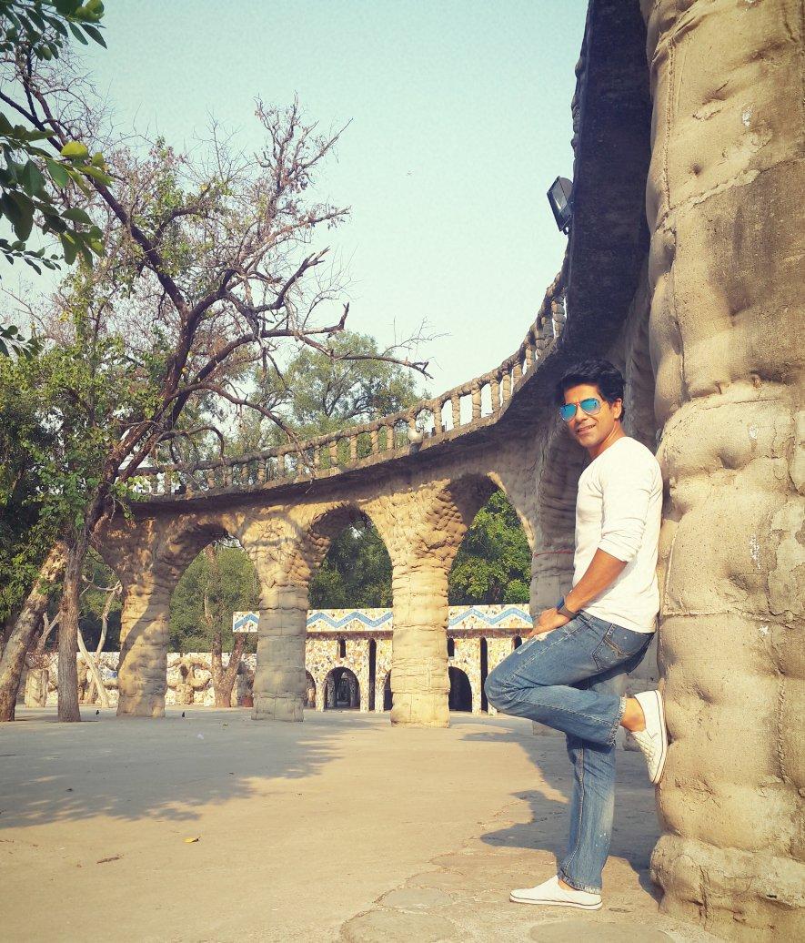 #GunjanUtreja pays tribute to Late. #Jaspal Bhatti! @GunjanUtrejaFC http:/