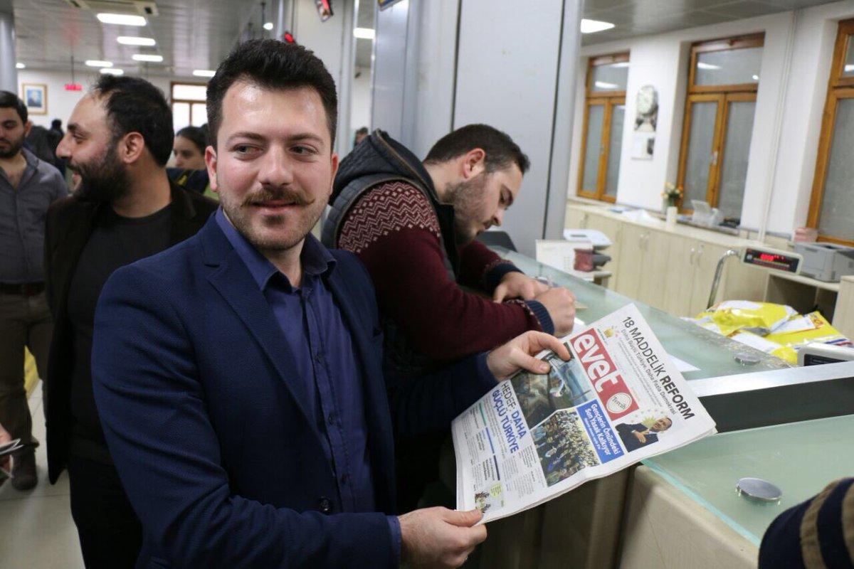 Aydın teşkilatımız, Anayasa Değişikliği Maddelerinin resmi metnini ve Evet Gazetemizi Kılıçdaroğlunun öğrenmesi için gönderdi.