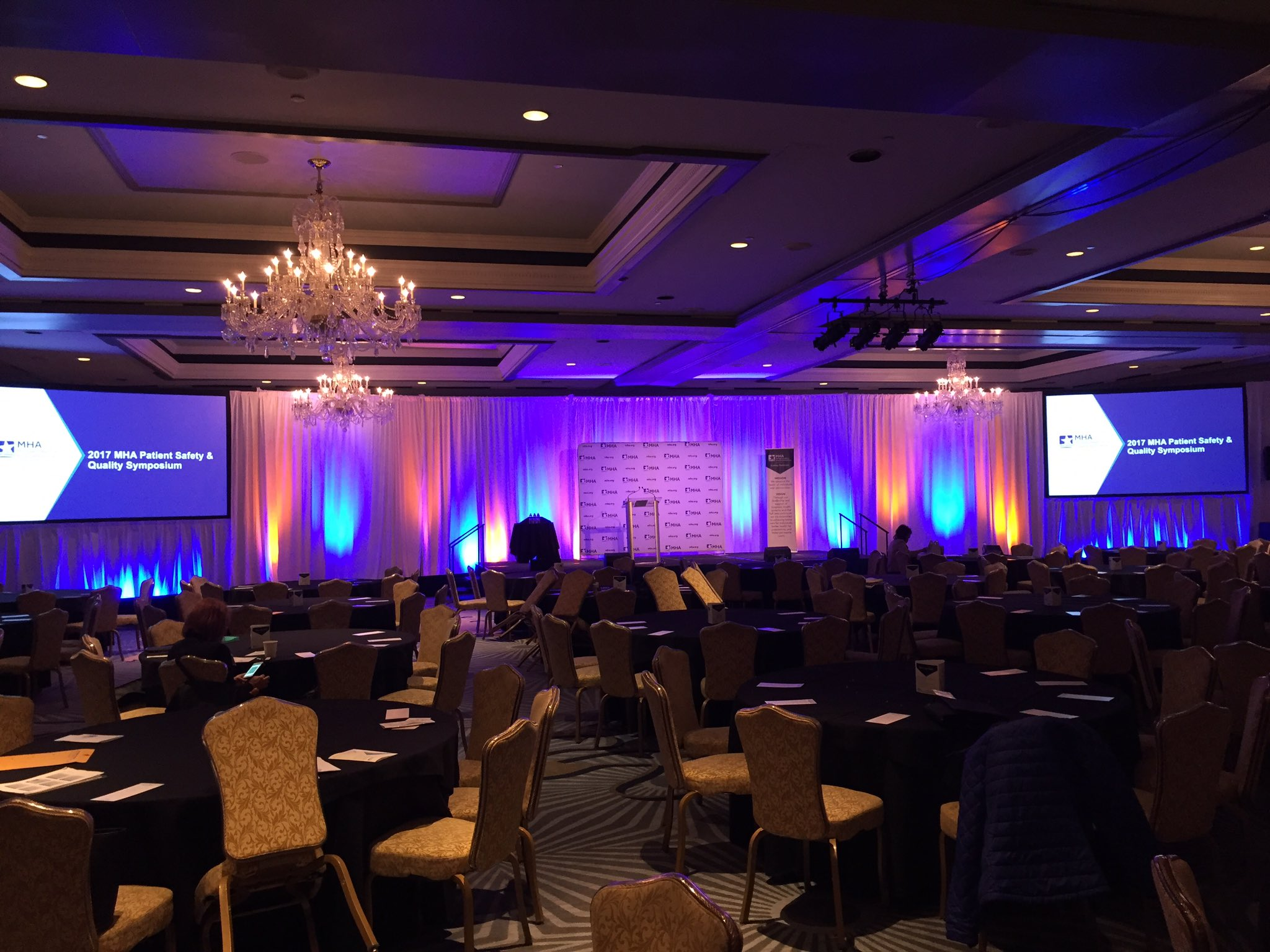 1.5 hours until we begin the MHA #PatientSafety & Quality Symposium! Check out the exhibit hall in the meantime! #MHAKeystone https://t.co/1ohakpjsBV