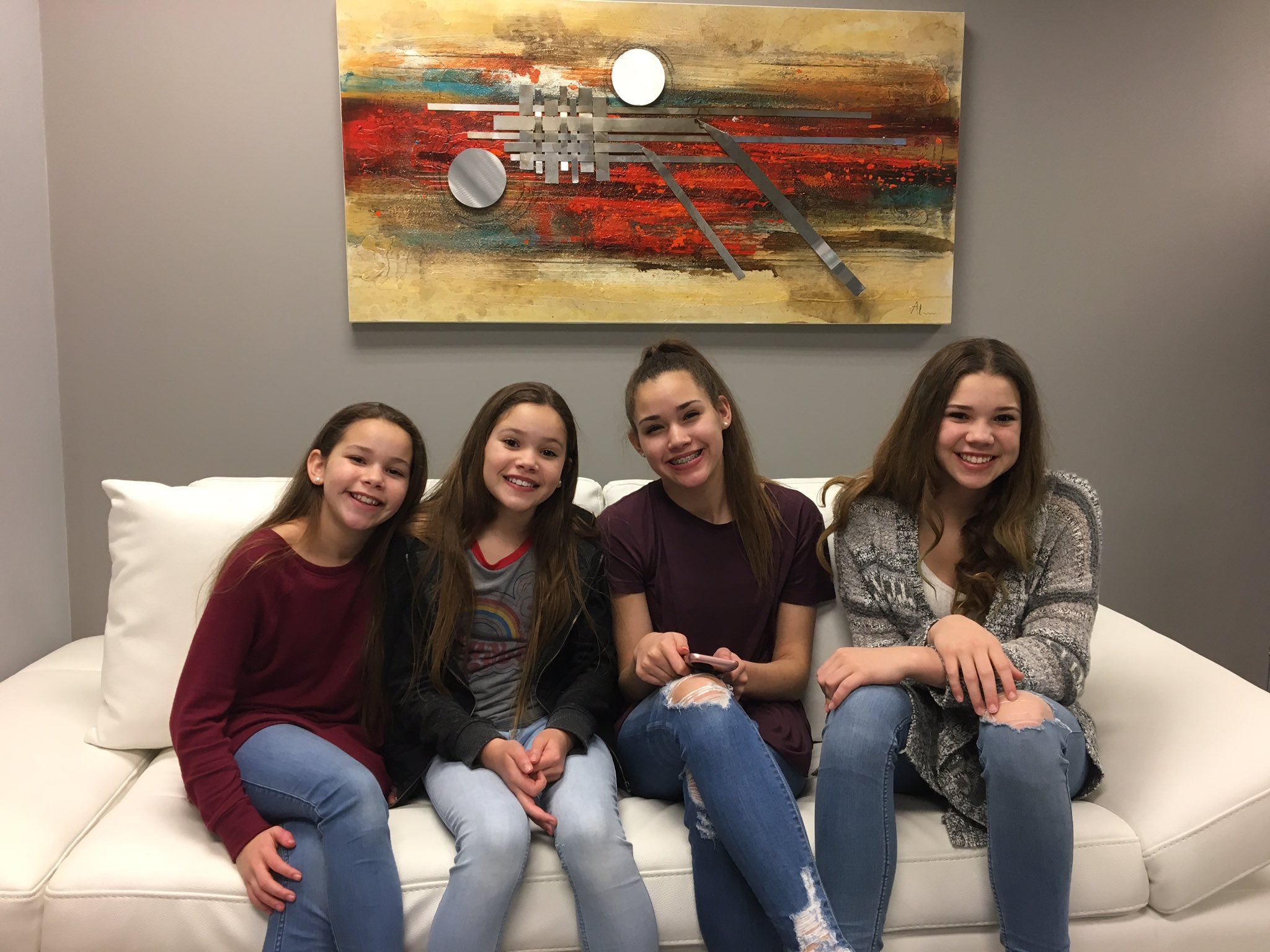 HaschakSisters On Twitter Its A Straight Hair Kind Of