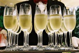 #LTHEchat is starting in 10 minutes with @lifewider1 talking personal pedagogies. Get your drinks lined up ready! https://t.co/GZHVNh6btN