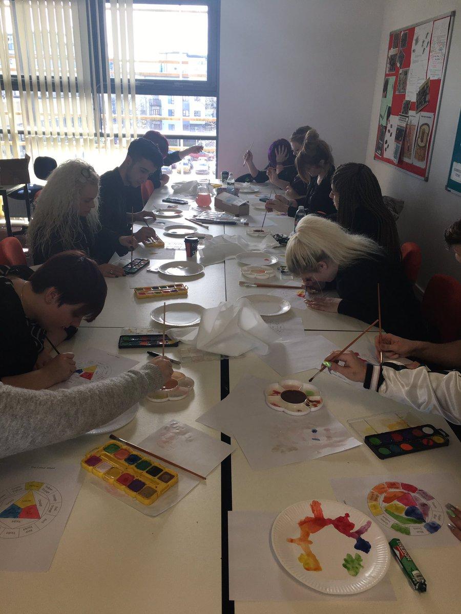 White apron poundland -  Innovationcitycollege Level 2 Barbering Students Creating Colour Wheels With Poundland Pedagogy City_college For Innovation Weekpic Twitter Com Ik0100pv2l