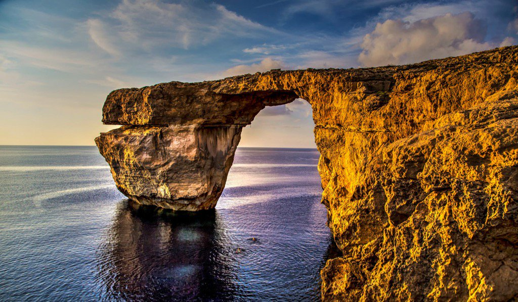 My favourite place is no more. The Azure Window has collapsed.