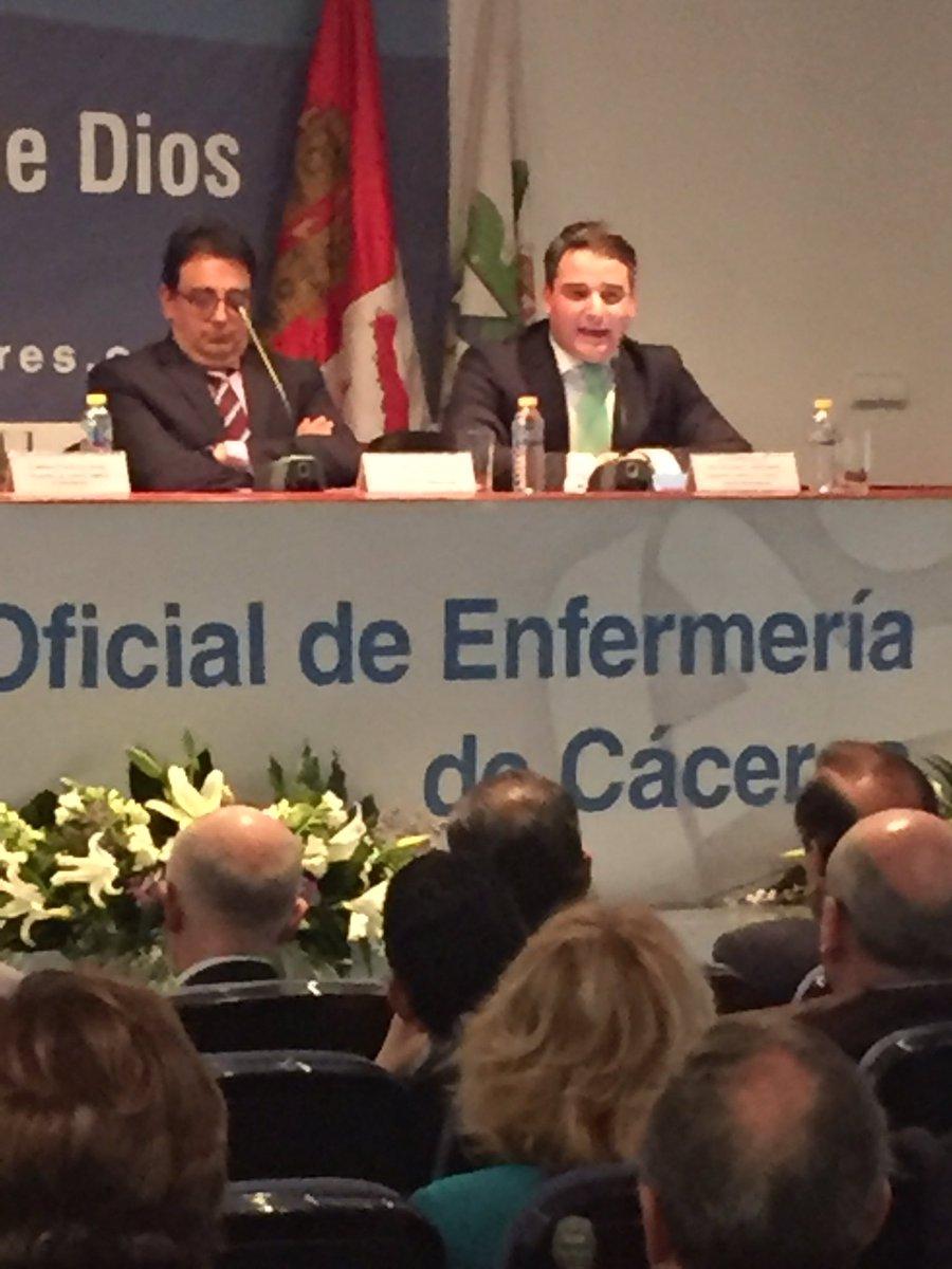 """""""Los profesionales de Enfermería deben ser uno de los recursos fundamentales para buscar la excelencia en cuidados de la salud""""@luisotobajas"""