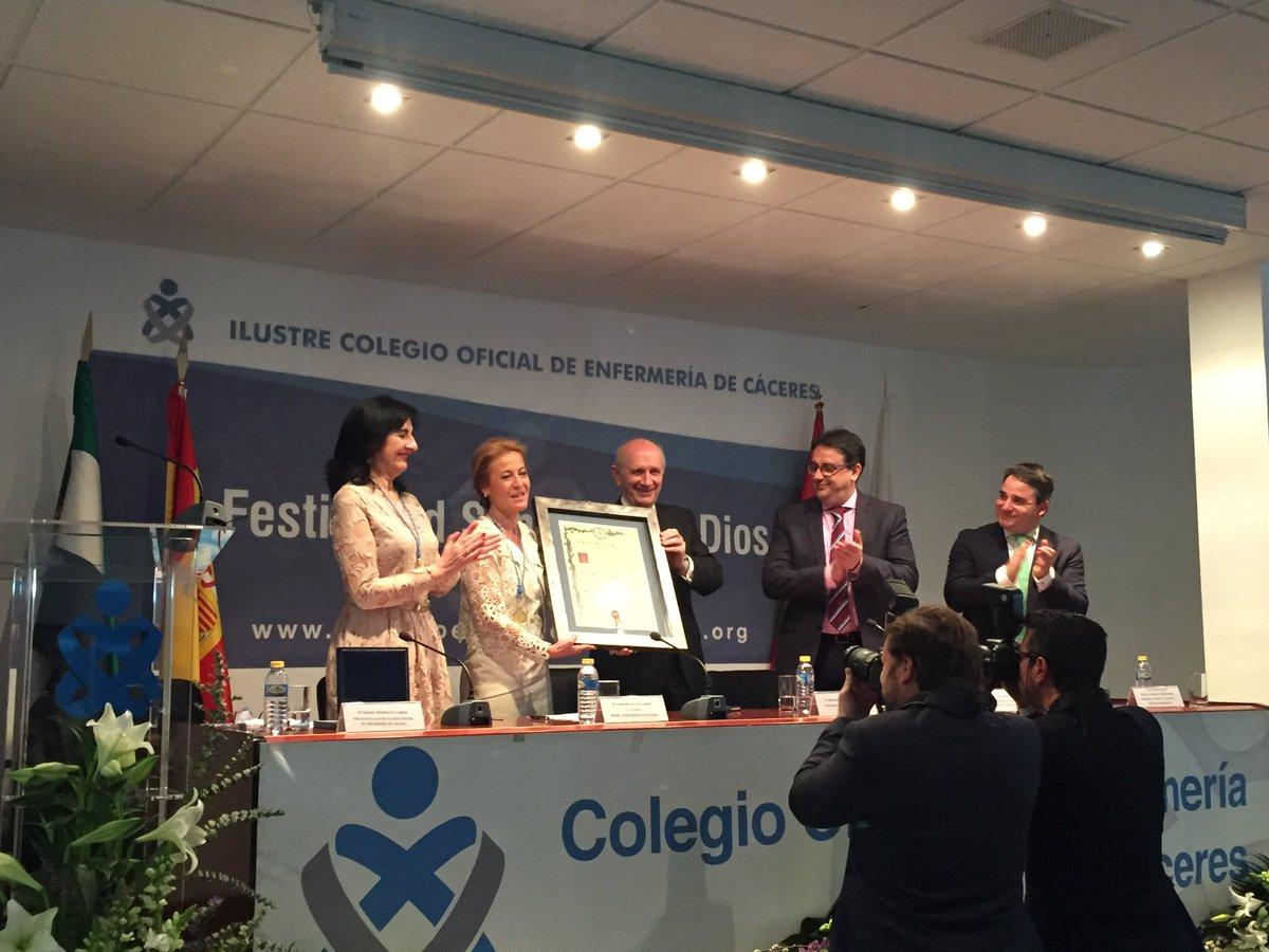 @ElenaNevado2011 nombrada Colegiada de Honor