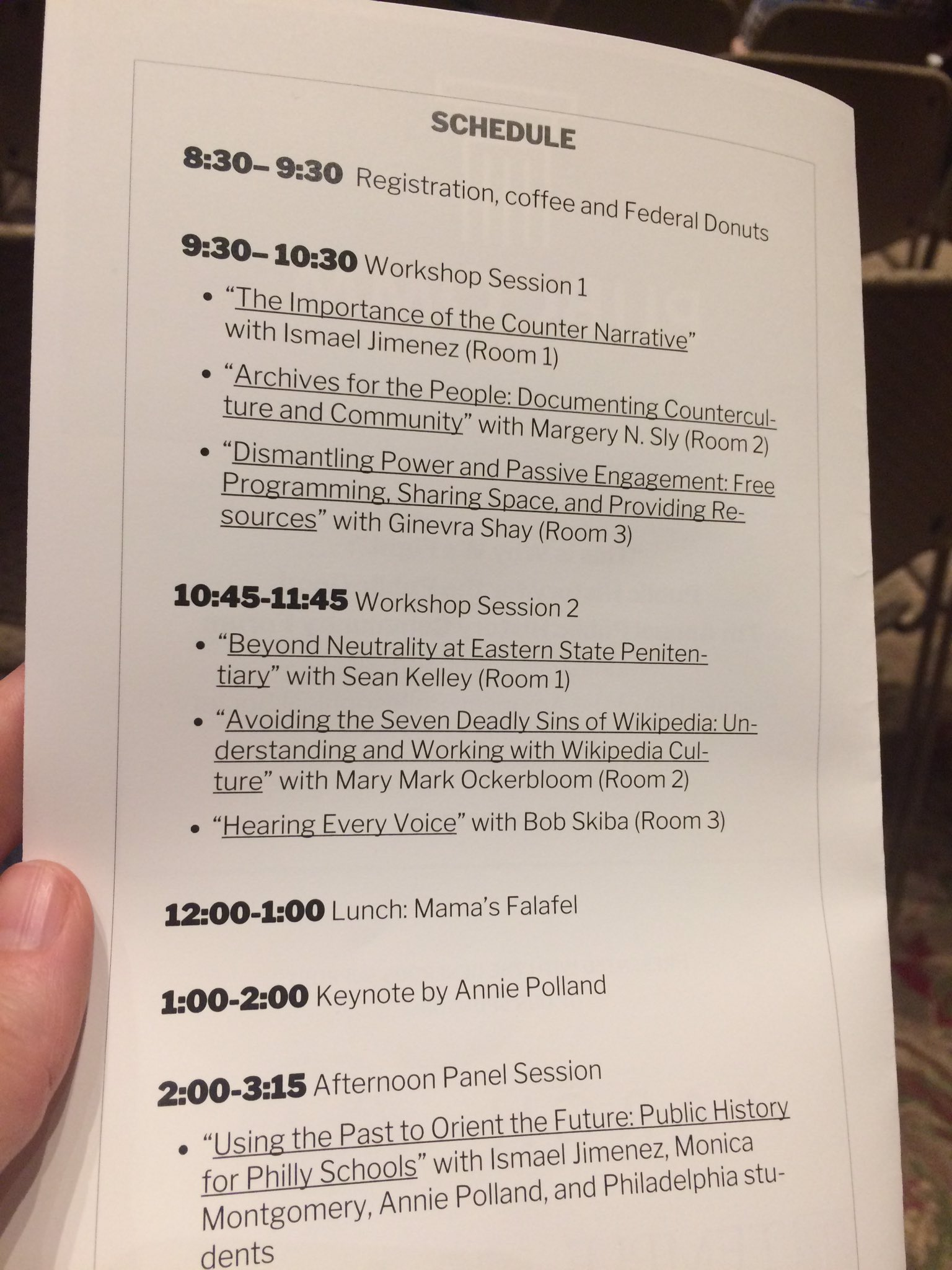 The 5:30 AM alarm was worth it to take the train up to Philly for the day & catch this great lineup of public historians at #PubComm17! https://t.co/LrTB7viSRX