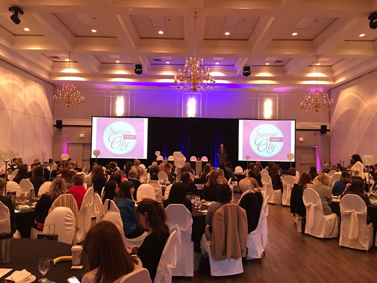 Happy International #Womensday2017 from a sold out audience at #hamont Success in the City! https://t.co/luPrvXTiif