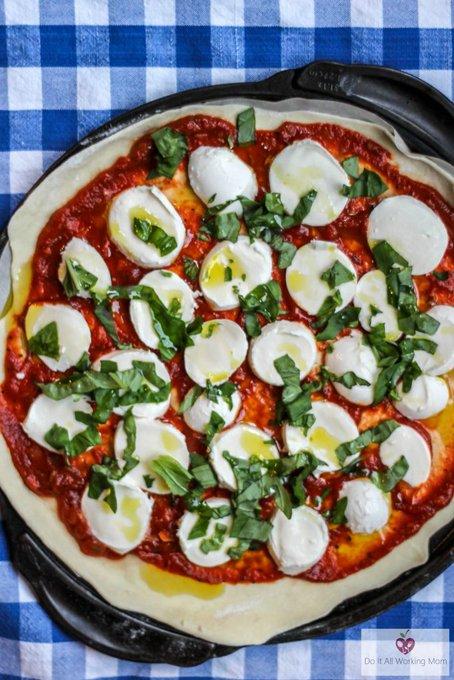 Extra Cheesy Pizza Margherita Recipes