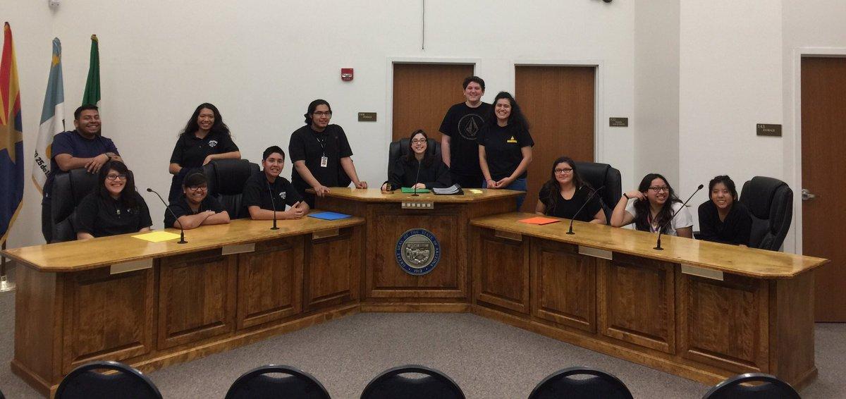 teen-court-volunteers-you