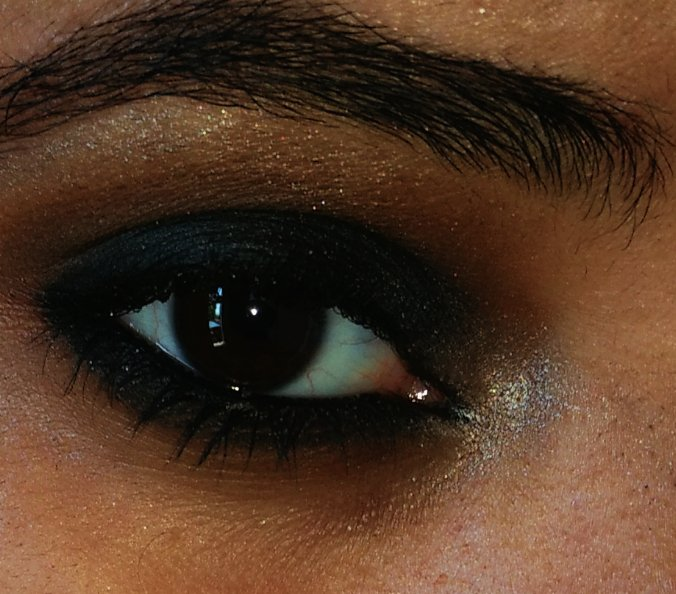 "Eu me perdi, na escuridão dos olhos teus..""  ~Quinn 💜 https://t.co/XaQLm5iHze"