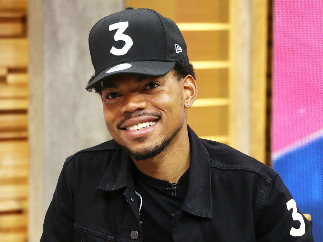 """Dad Promises """"Huge Things"""" to Come in the Next 2 Weeks. @chancetherapper https://t.co/RxdCFHulEg https://t.co/W3q75STT7x"""