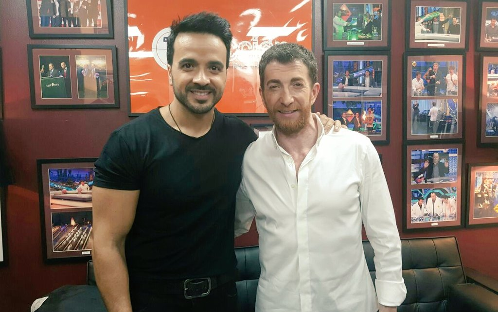 ¿Cuánto mide Luis Fonsi? - Estatura real: 1,71 - Real height C6_KJQpXEAACYub
