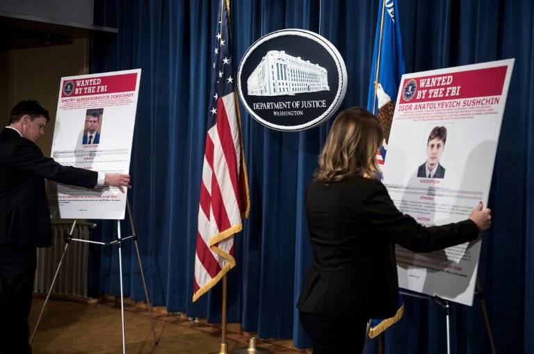 #US carpets two #Russian spies over Hack of 500m #YahooMail Accounts  http:// dlvr.it/Ndf4l1  &nbsp;  <br>http://pic.twitter.com/Y4ZmwIphvD