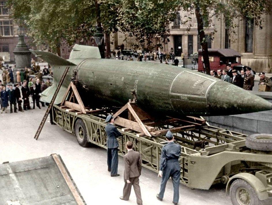 الصاروخ النازي المرعب V-2 C6_kU0XWkAE85QA