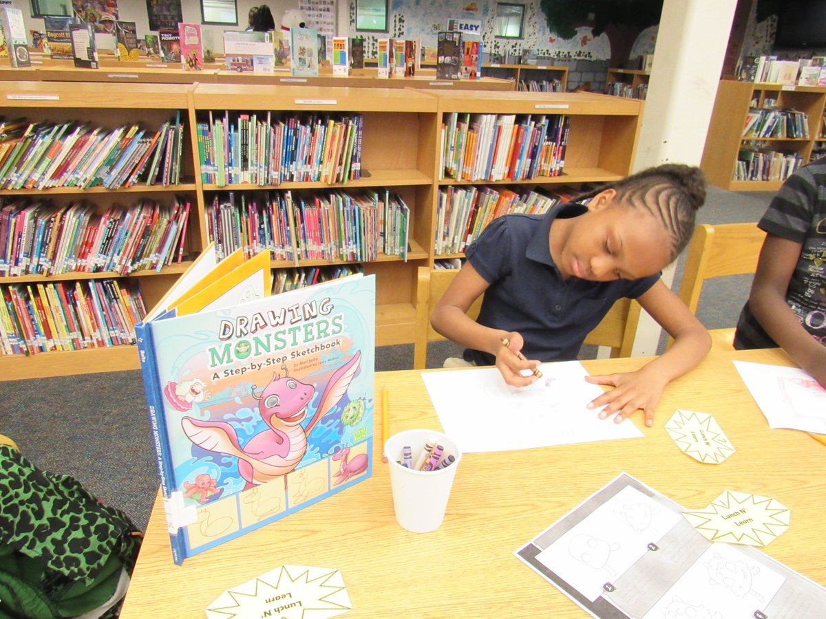 Hope Hill Elementary On Twitter Using New Library Books To Learn