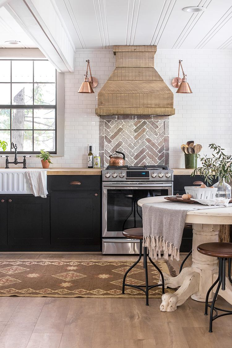 Lowe S On Twitter Jennasuedesign Shows Off The Kitchen Renovation She S Been Cooking Up In This Amazing Reveal Details Https T Co Xlxqft2uql Https T Co 21nivo0pds