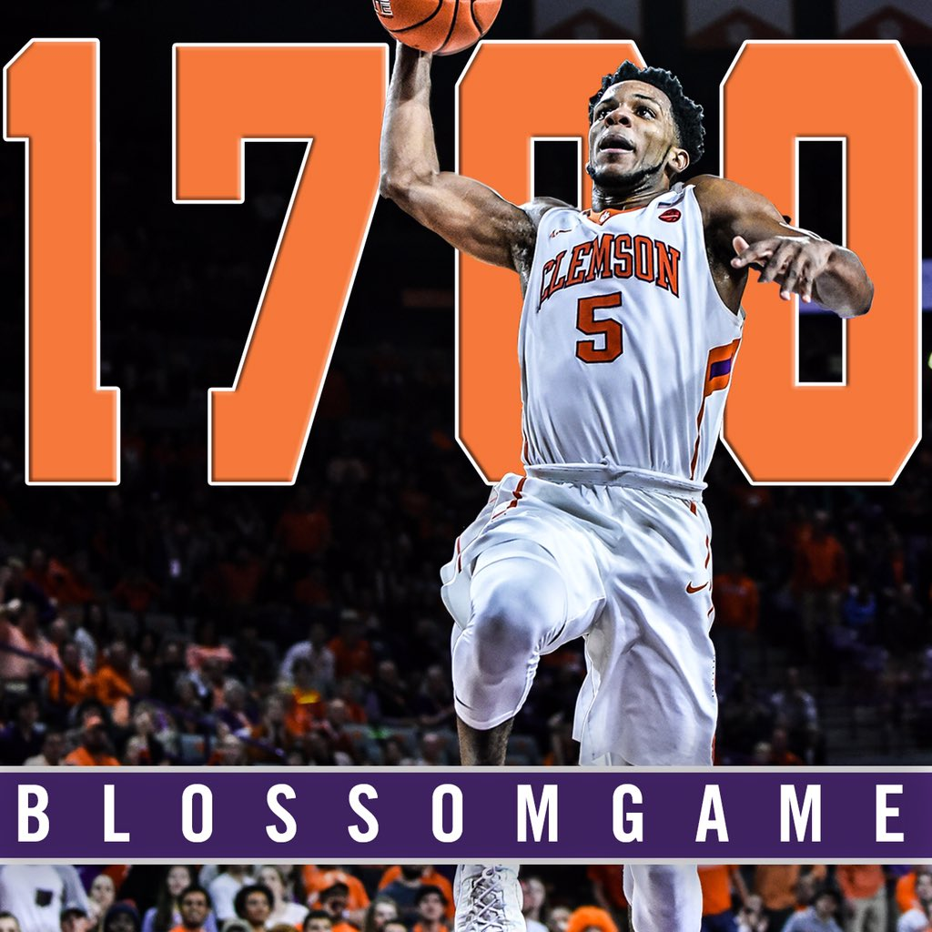 SIX players in our history have scored 1,700 career points.  Jaron Blossomgame is now one of the six.  👏💪🐾 https://t.co/Gc3OxEdG8P