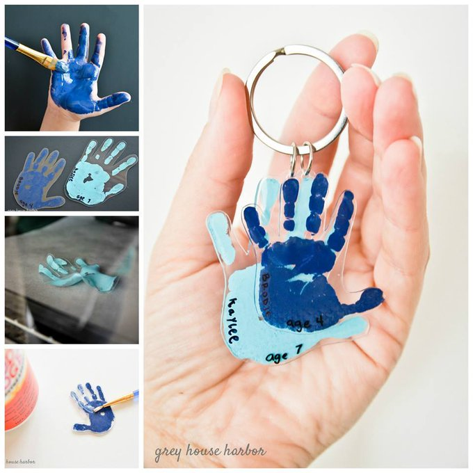diy : handprint keychain