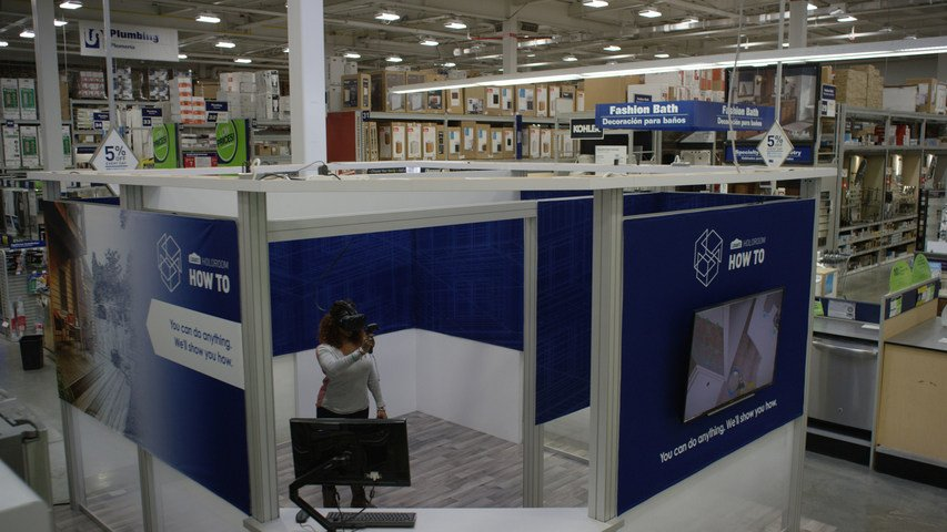 Hardware And Home Improvement Store Lowe's Provides VR Clinics For DIY