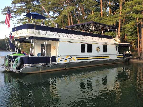 houseboatsforsale hashtag on Twitter
