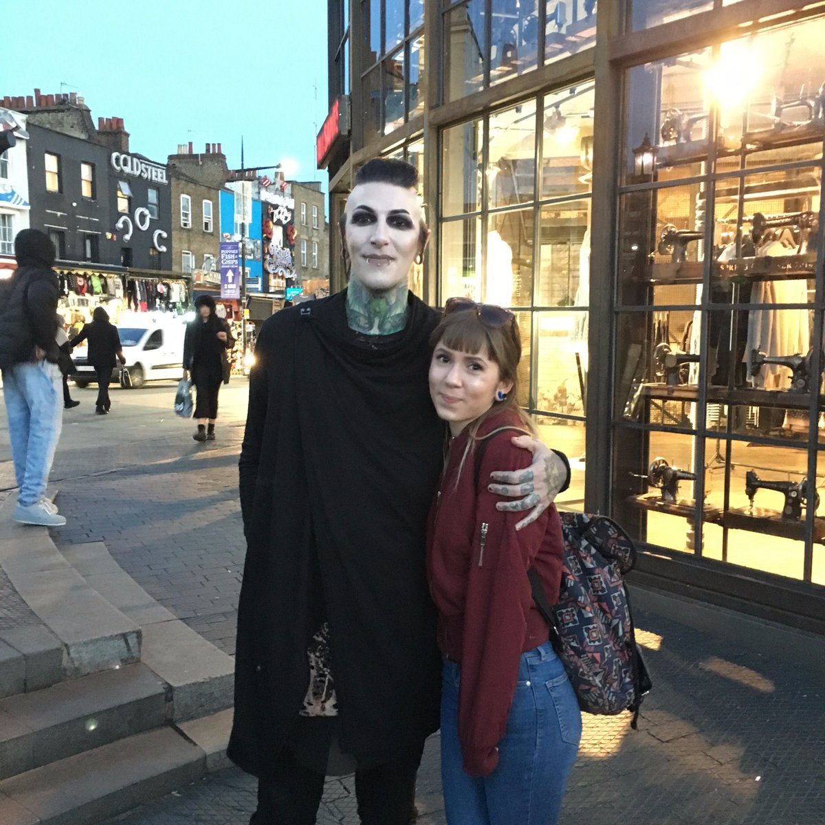 Chris motionless on twitter nice to meet you both thanks for chris motionless on twitter nice to meet you both thanks for showing up kristyandbryce Choice Image