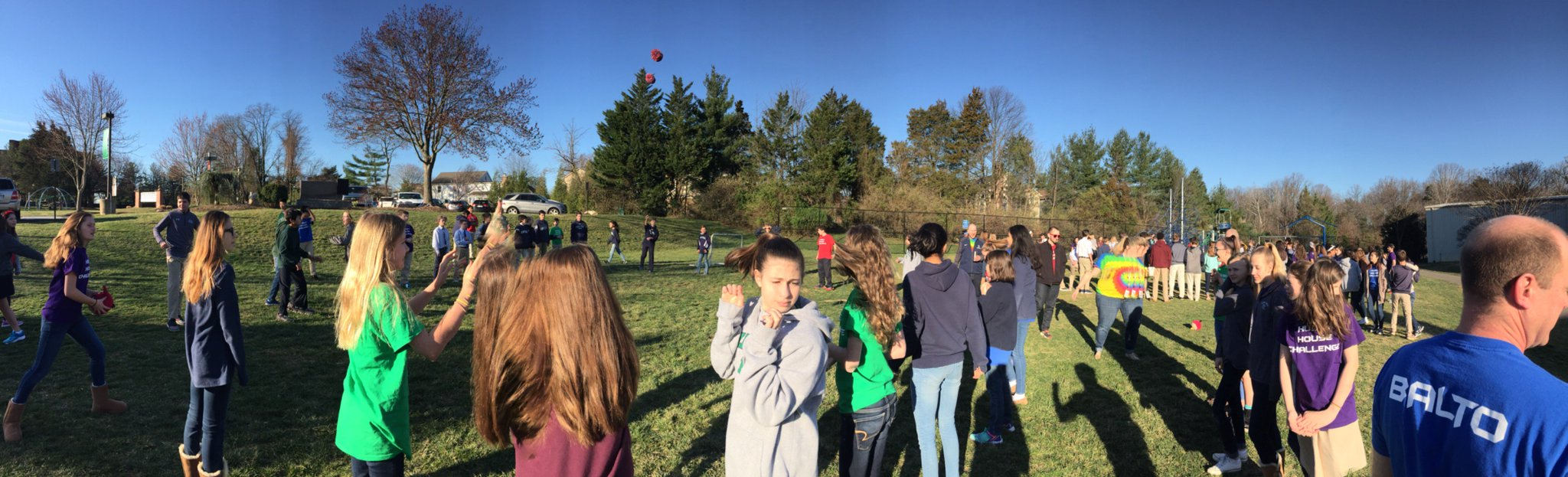 Sometimes you need to start the day with a giant game of speed ball! #myflinthill https://t.co/94BnITOTRt