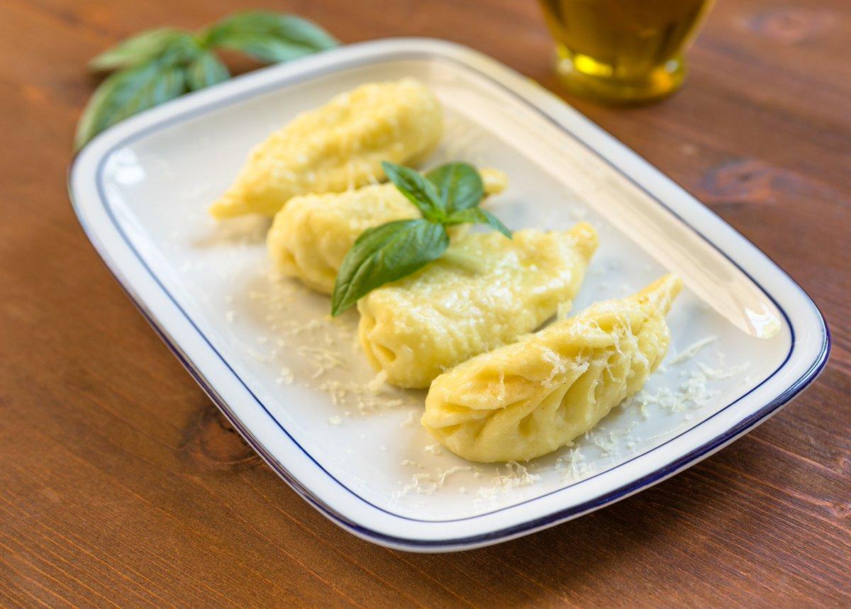 Izgaršo Sardīniju un nogaršo culurgiones, kas ir makaronu ēdienu, kurš atgādina ravioli un ir pildīts ar sieru un piparmētrām. https://t.co/RKltyHKVWC