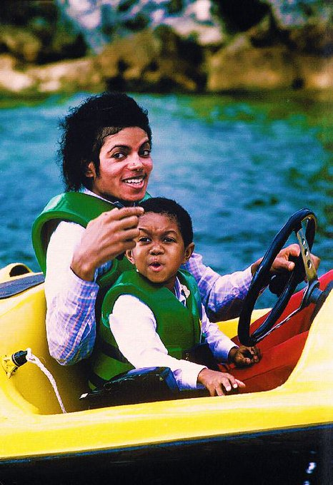 Happy 46th birthday to Emmanuel Lewis, seen here with a friend.