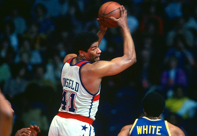 Happy 71st birthday to former Baltimore Bullet and Naismith Memorial Basketball Hall of Fame member Wes Unseld!