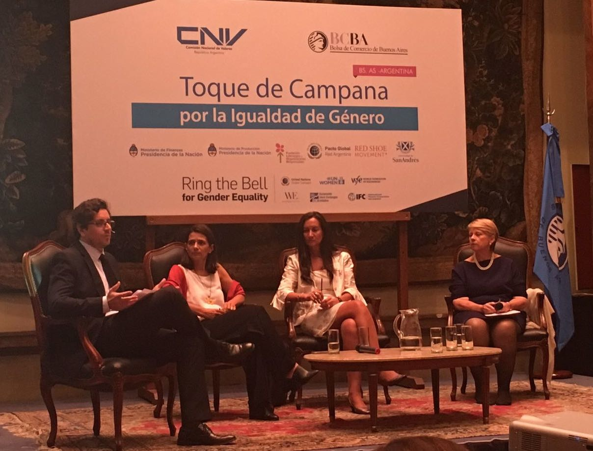 .@CefeidasGroup's Santiago Chaher moderates a panel on #womenonboards #RingBell #IWD2017 #GenderBell @CNVArgentina @desdelabolsa https://t.co/8YuCi5fjnu