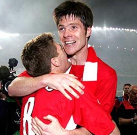Steven Gerrard, Fernando Torres lead tributes for retiring great Xabi Alonso dailym.ai/2mn9NkD