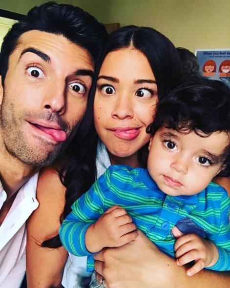 RT @CBSTVStudios: We Need To Talk About How Cute Mateo Is On #JaneTheVirgin. https://t.co/TmJYQMkroU