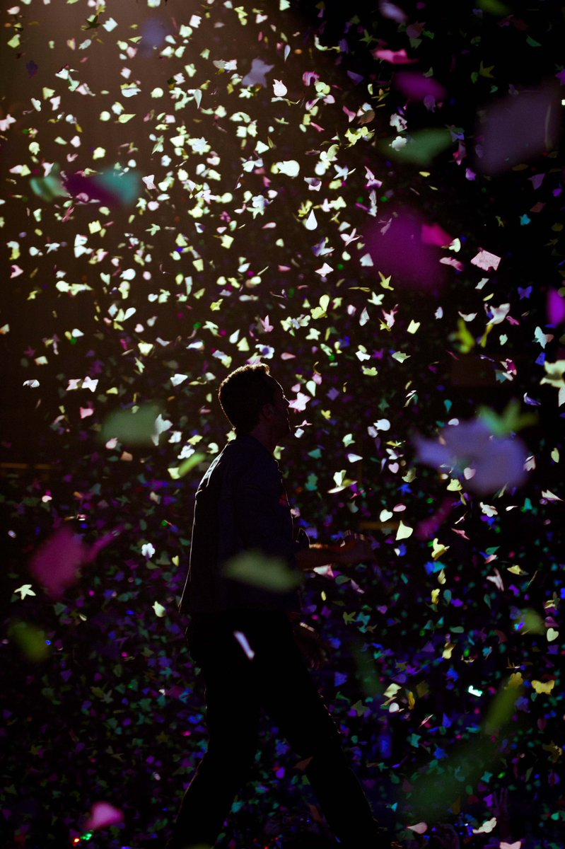 #TBT to August 3, 2012, when the Mylo Xyloto Tour reached the Izod Center, New Jersey. (📷 Xavi Menos)