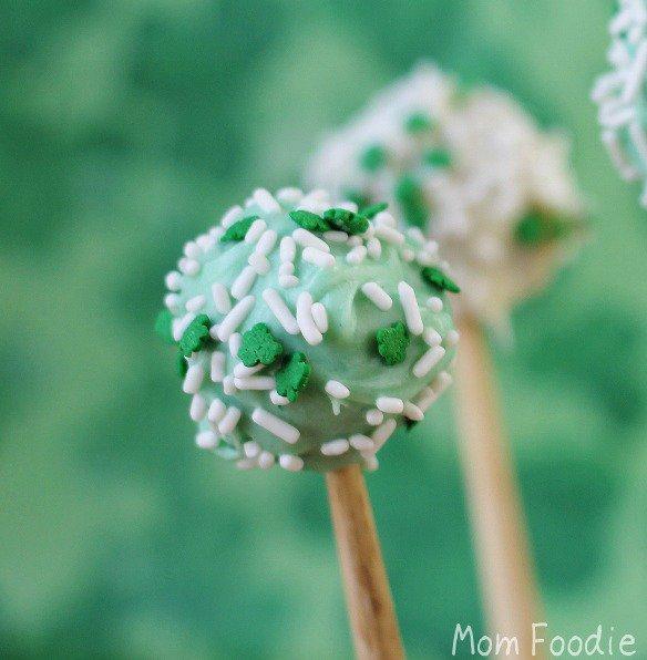 St. Patrick's Day Dessert: Leprechaun Balls