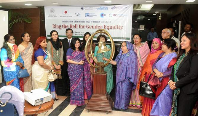 .@IFC_org, #Dhaka Stock Exchange ring the bell for gender equality #genderbell #CorpGov @WBG_Gender @DSE_BD https://t.co/QO2AwxPOCF