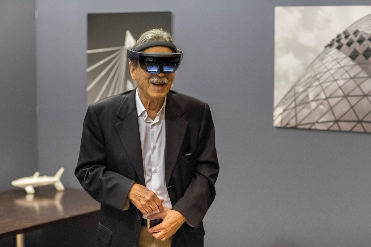 World-famous architect sees his buildings recreated using HoloLens